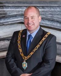 Mayor Lee Brownson 2015-16
