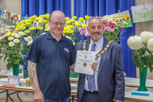 Mayor David Fleming with the Winner of the Chrysanthemum and Dahlia Society Awards