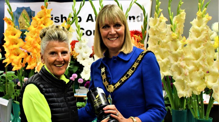 Mayor Joy Allen And Beryl Anderson at the Horticultural Show